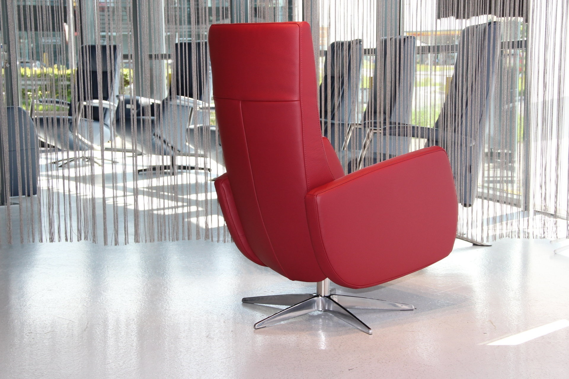 Relax Fauteuil Rood.Relaxfauteuil Manueel Draai Gealux Rundleder Rood