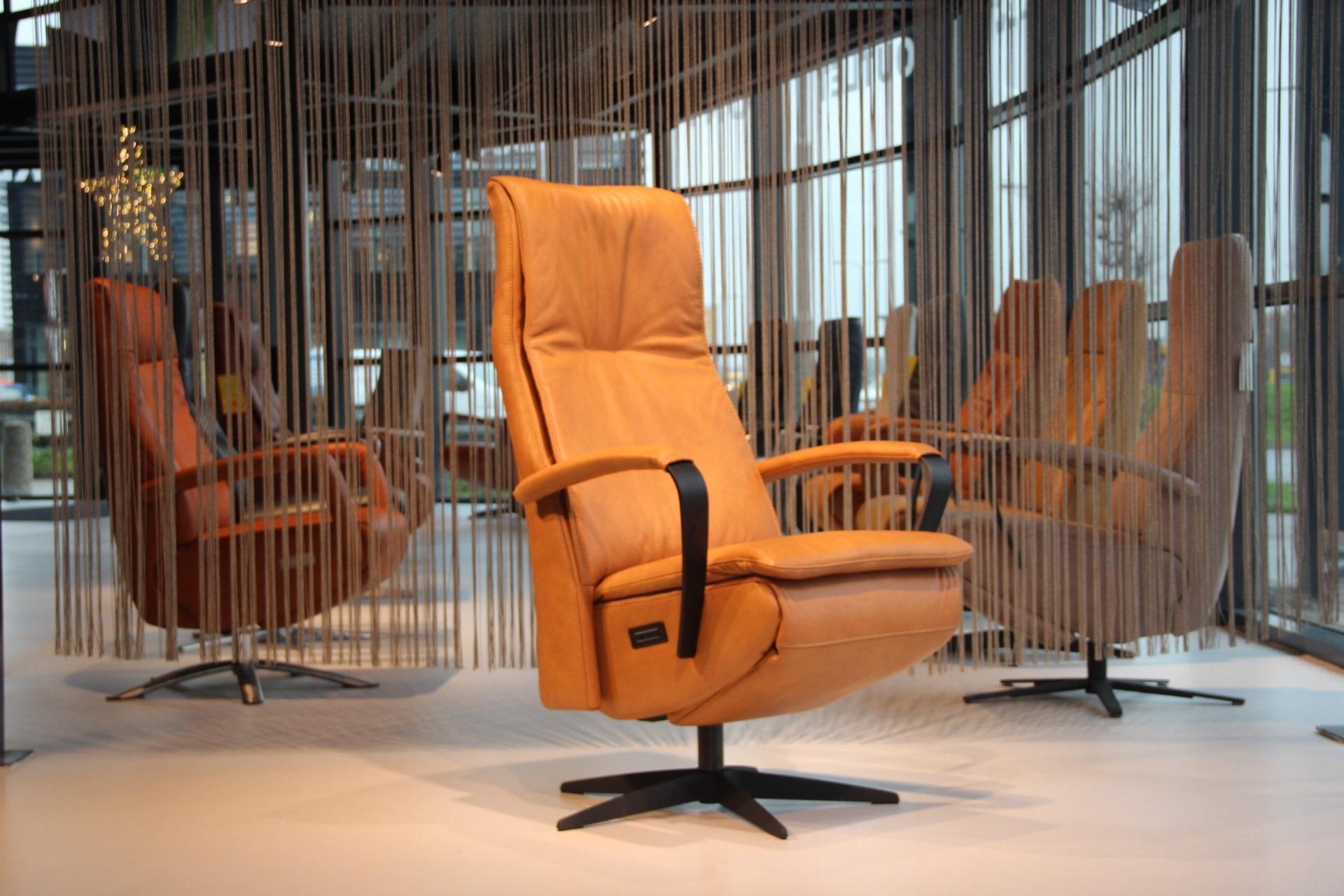 Gealux Twinz 216 leer Cognac elektrisch verstelbaar relaxfauteuil met 3 motoren en accu.