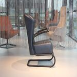 Design fauteuil Don in echt leer blauw van Ojee Design